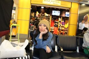 marianna hewitt airport casual street style new york fashion week