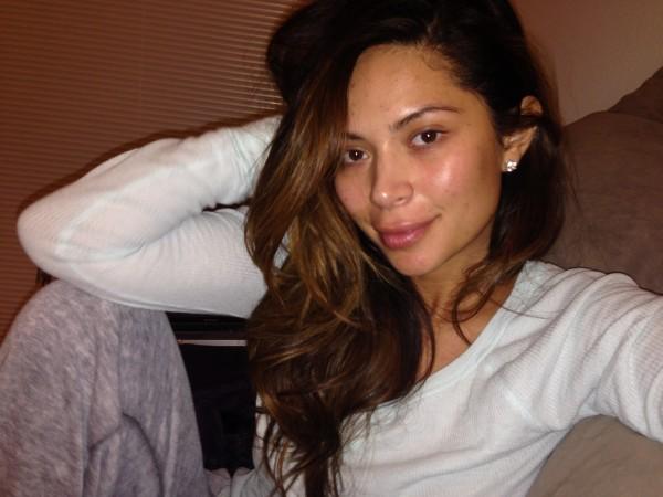 marianna hewitt no makeup selfie skincare routine